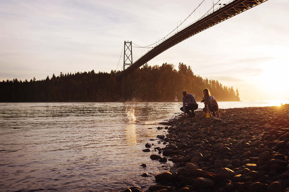 vancouver-family-photographer-bridge022