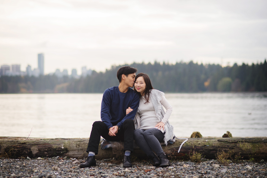 maternity photos, vancouver photographer, west vancouver, lions gate bridge