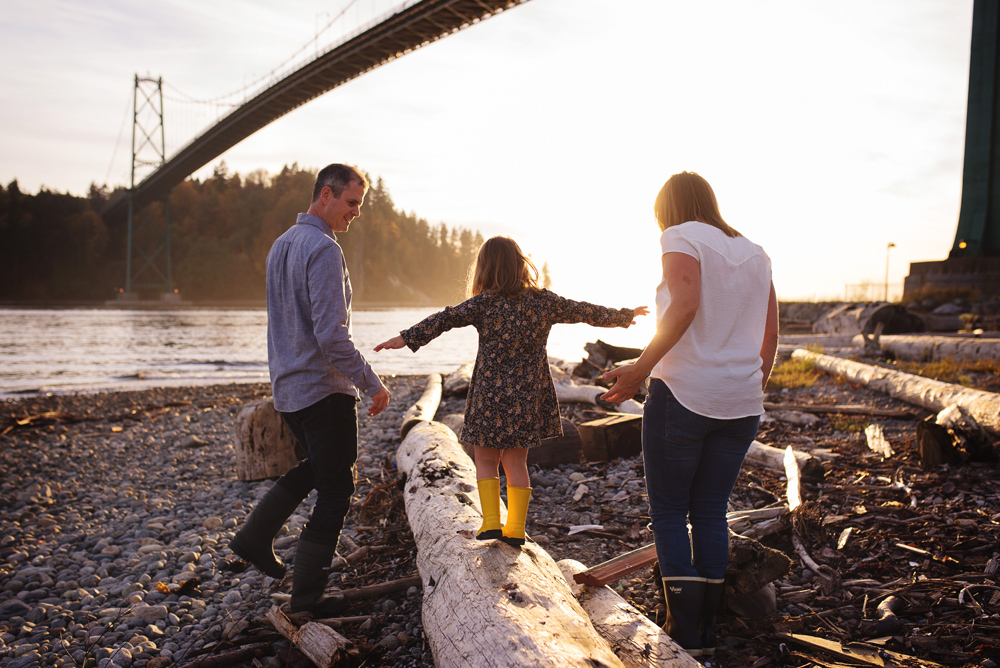 vancouver-family-photographer-bridge020